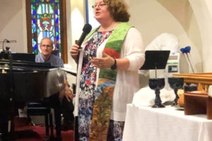 Sarah-Calvert_preaching-installation
